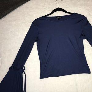 M, long sleeve Navy blue top